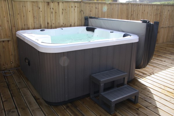 jacuzzi tub hot tub indoor ariel victoria whirlpool tub jacuzzi j210 hot tub demo by roy. Black Bedroom Furniture Sets. Home Design Ideas